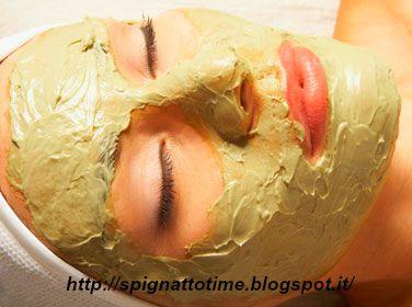 maschera di bellezza alla rosa, ricette cosmetiche con argilla, maschera viso