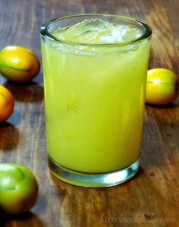 Yellow Plum Agua Fresca - lacocinadeleslie.com