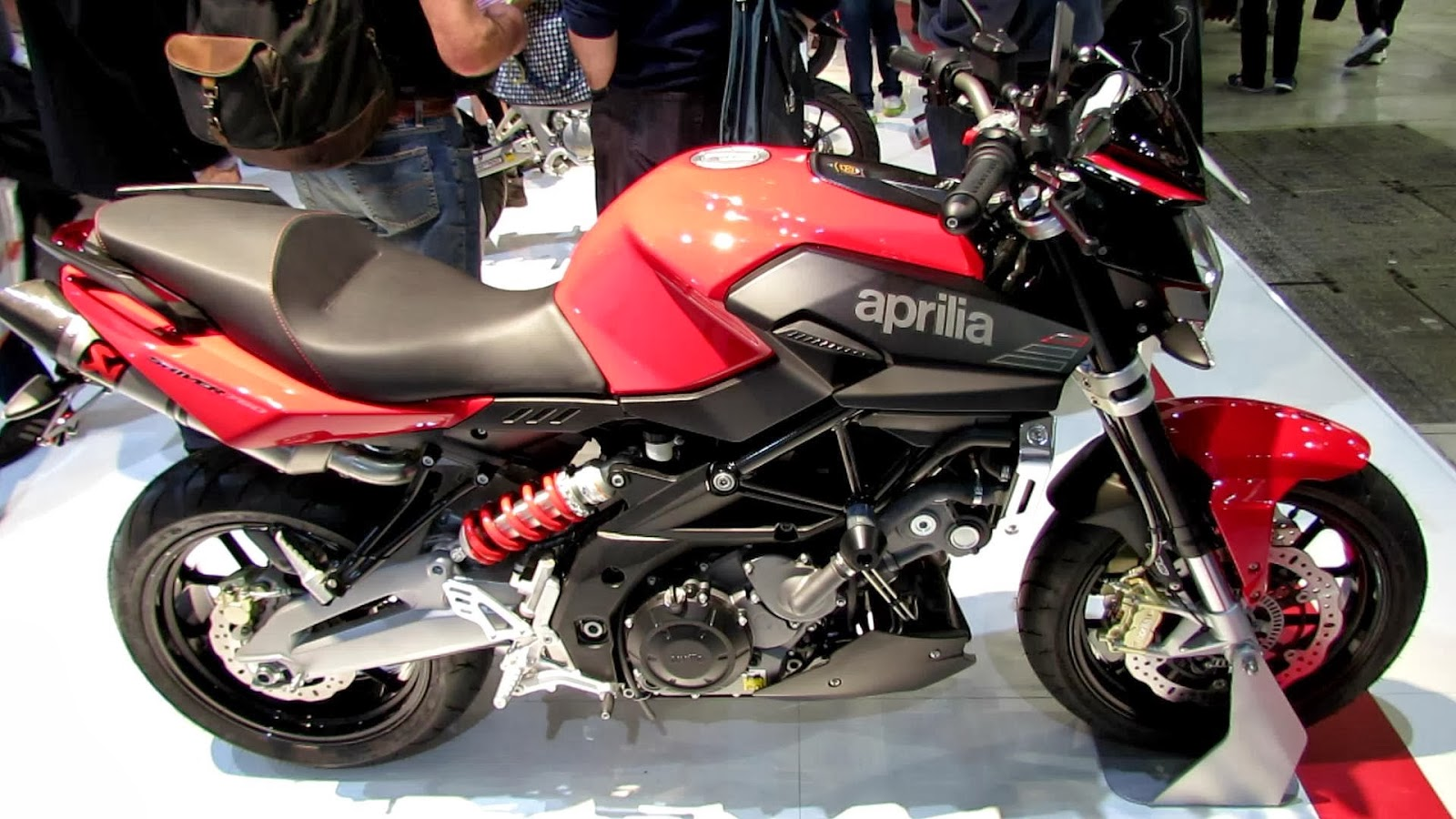 Aprilia Shiver 750 Sport Motorcycle HD Wallpapers