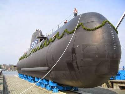 HS Papanikos di HDW, Kiel, Jerman (Foto: evworld.com)