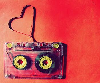 Vivo por ella porque va dándome siempre la salida, ella es todo.. música