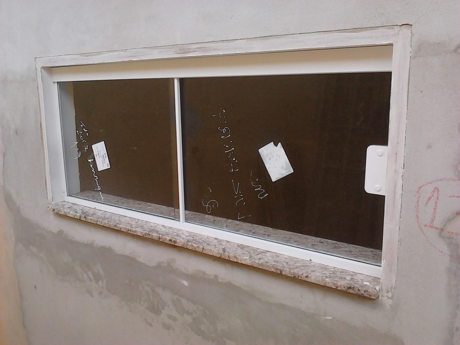 #3B2A1D Janela com vidro 08mm Incolor de 02 folhas (01 fixo e 01 de correr) 290 Janelas De Vidro Sao Luis Ma