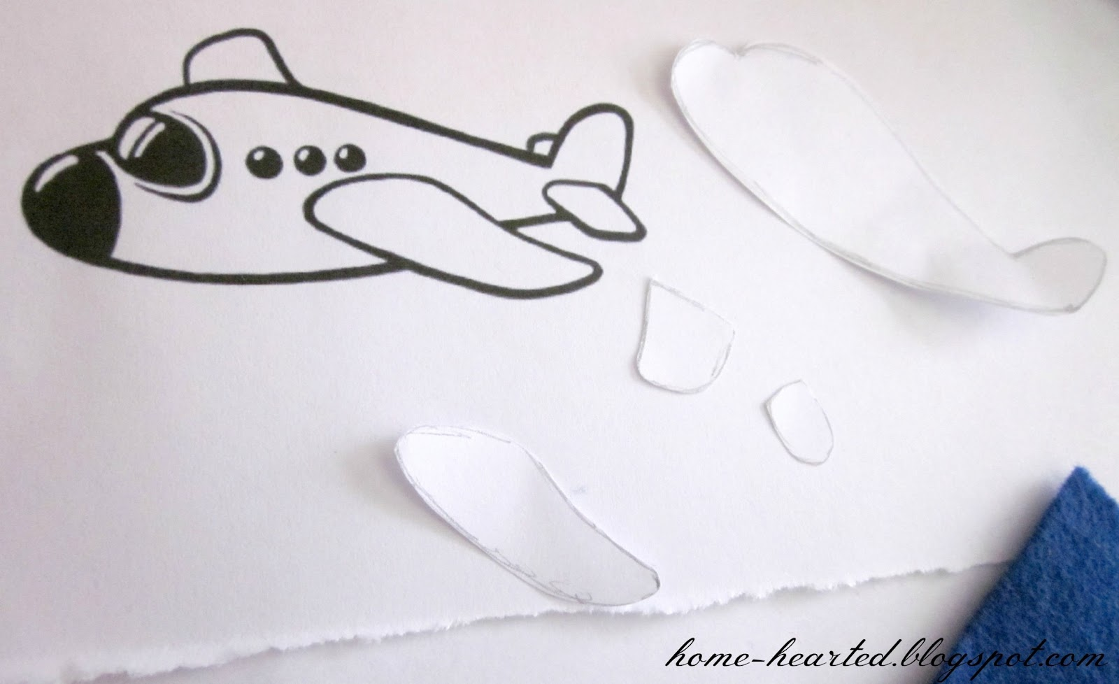 Home hearted felt airplane finger puppets for Cut out airplane template