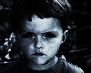 Seres de ojos negros Bk3-copy-300x2402