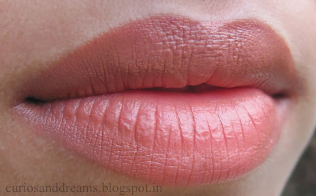 lakme 9 to 5 lipstick toffee nexus review, lakme toffee nexus review, lakme toffee nexus LOTD, lakme toffee nexus swatch