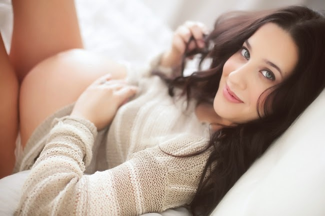 Boudoir: The New Trend for Maternity Photo Shoot