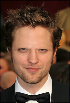 Robert Pattinson with no eyebrows www.thebrighterwriter.blogspot.com
