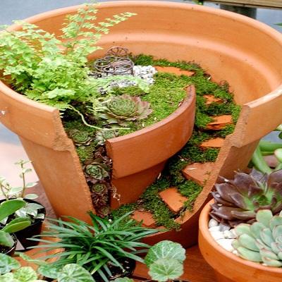 Hogar 10 decoraci n econ mica de jardines macetas en for Escalera de bloque de jardin