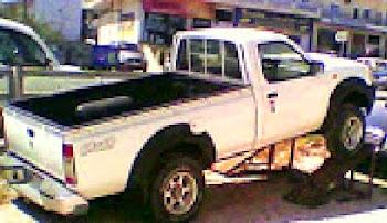 NISSAN 4X4 ΠΕΤΡΕΛΑΙΟ 2,400 cc Μοντέλο 2004 χρώμα άσπρο τιμή   10.000 €