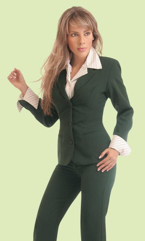 Trajes para mujeres ejecutivas - Imagui