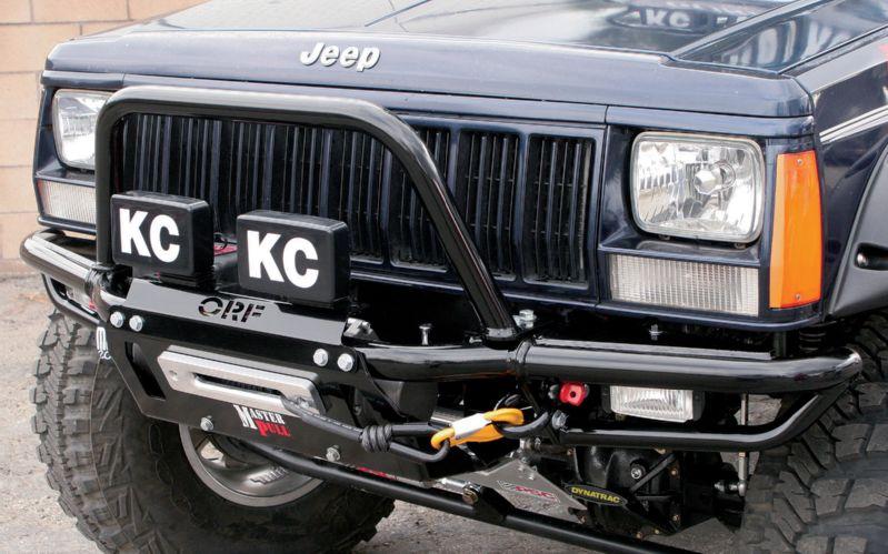 Bahasan Mobil Taft  Adopsi Model Bumper Offroad Untuk