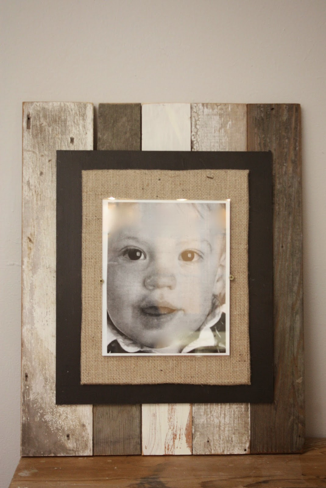 My Sweet Savannah: ~thrifty thursday~barn wood & burlap frame