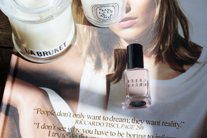 Bobbi Brown Roza nail polish