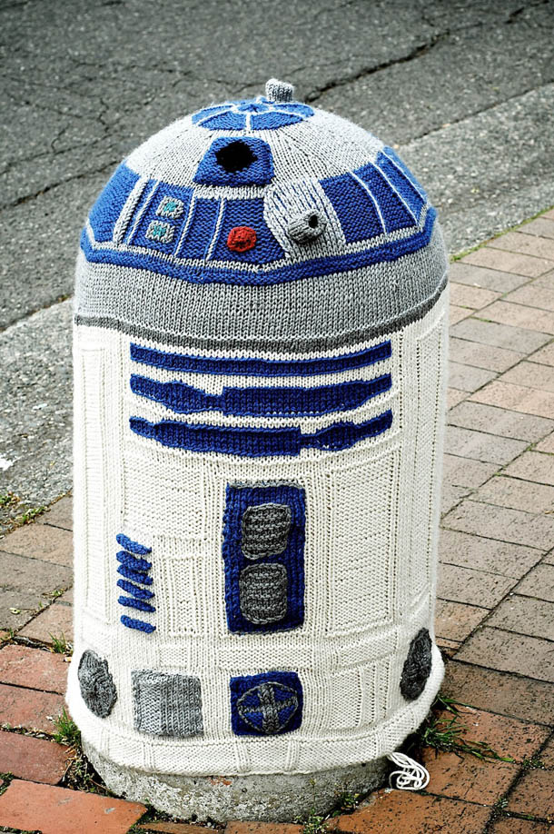 Yarn Bombing - R2D2 em tricot - Arte Urbana - Washington