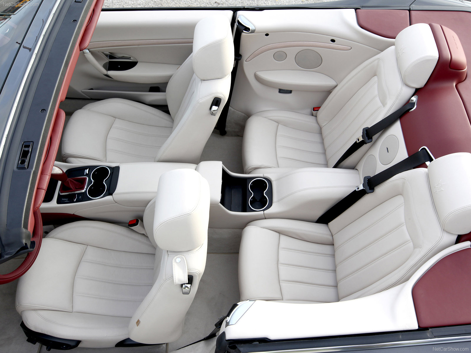 Hình ảnh siêu xe Maserati GranCabrio 2011 & nội ngoại thất