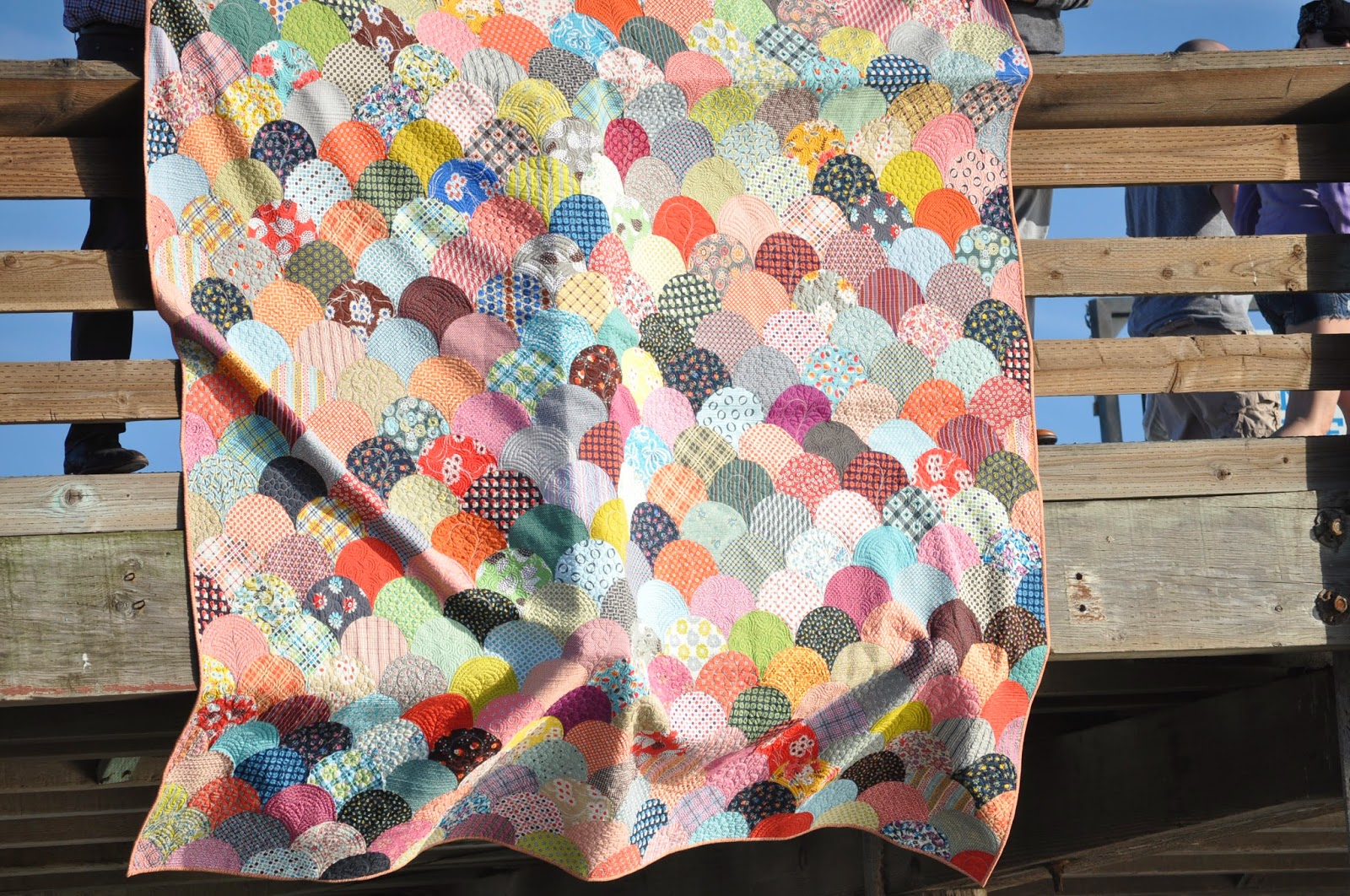 denyse schmidt fabric clam shell quilt