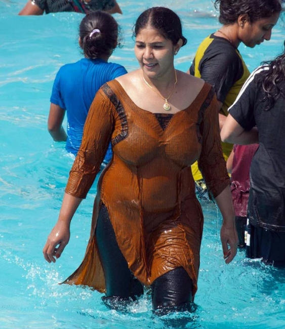 Desi Womens And Girls Unseen Pics Desi Auntys Hot