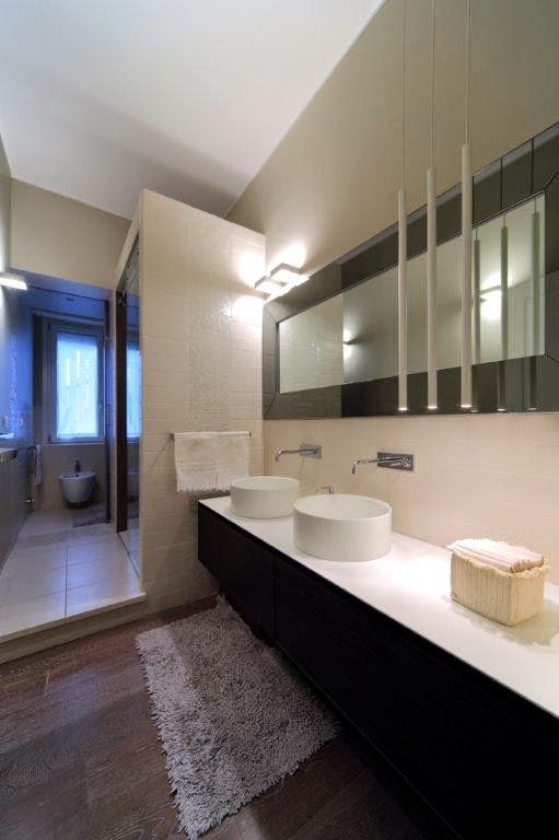 Interior relooking come arredare un bagno piccolo - Vasca da bagno in francese ...