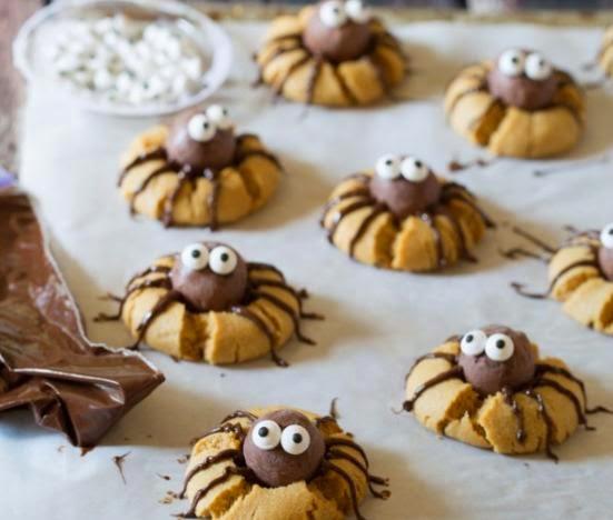 Batonnets Au Chocolat Et Aux Cacahuètes: Fabtastic Cakes: Cookies Araignées Au Chocolat Et Beurre