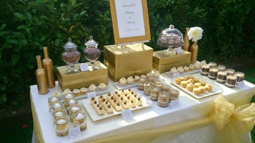 Duart cakes mesa dulce en color oro for Mesas de dulces para bodas precios