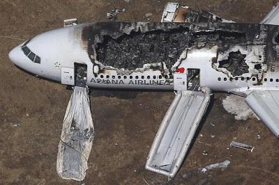 Boeing 777 terhempas: Dua orang terbunuh, 182 cedera