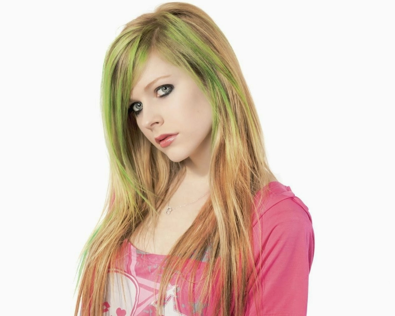avril lavigne hairstyles avril lavigne hairstyles over the years avril title=