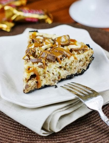 Twix Cheesecake Pie