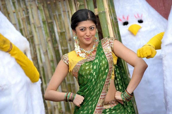 Tamil Actress Wallpapers: Actress Praneetha Latest New Half Saree ...