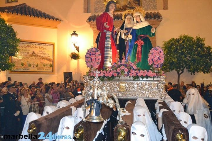 en la semana santa sevillana viendo los pasos de santa genoveva el polgono de san pablo la redencin y santa marta el pasado lunes