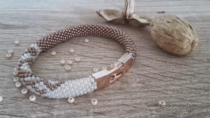 Bransoletka sznur szydełkowo - koralikowy koraliki 2 mm metaliczne różowo-brązowe
