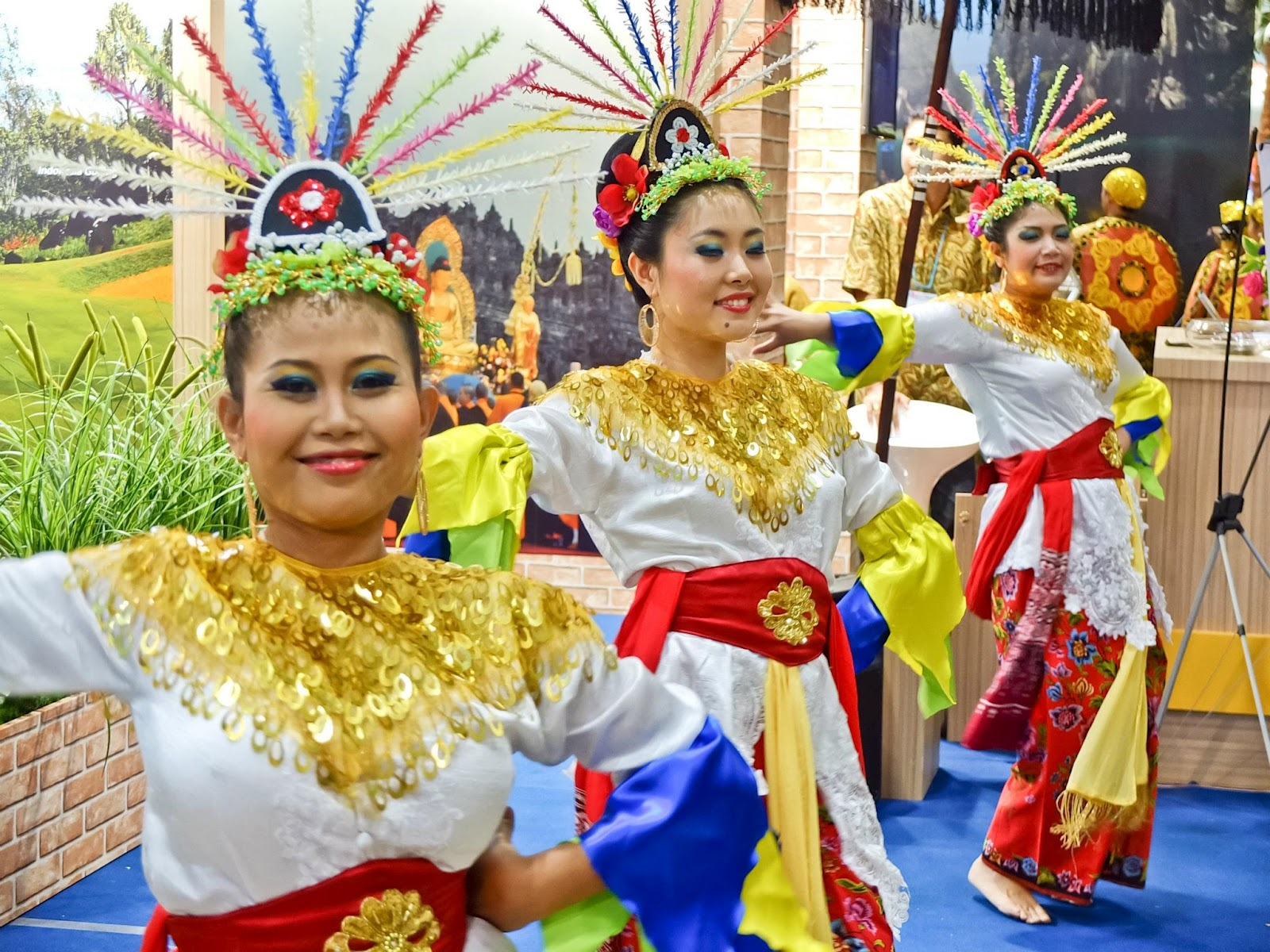 betawi as minorities In many societies they include migrants and ethnic minorities as well  being  betawi, the native population of the city, these young men have.