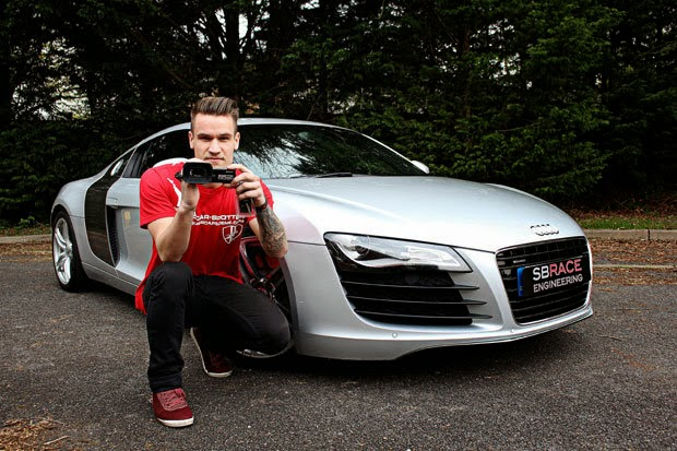 23-year-old Buys Audi R8 With YouTube Money