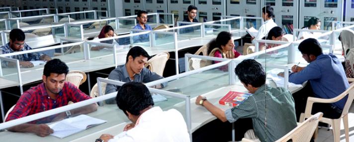 Kannur Medical College Anjarakandy Library