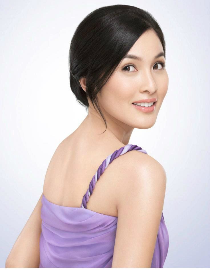 Sandra Dewi merupakan cantik aktris Indonesia kelahiran Pangkal Pinang - Kep Bangka Belitung 8 Agustus 1983