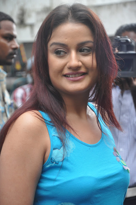 sonia agarwal new spicy latest photos