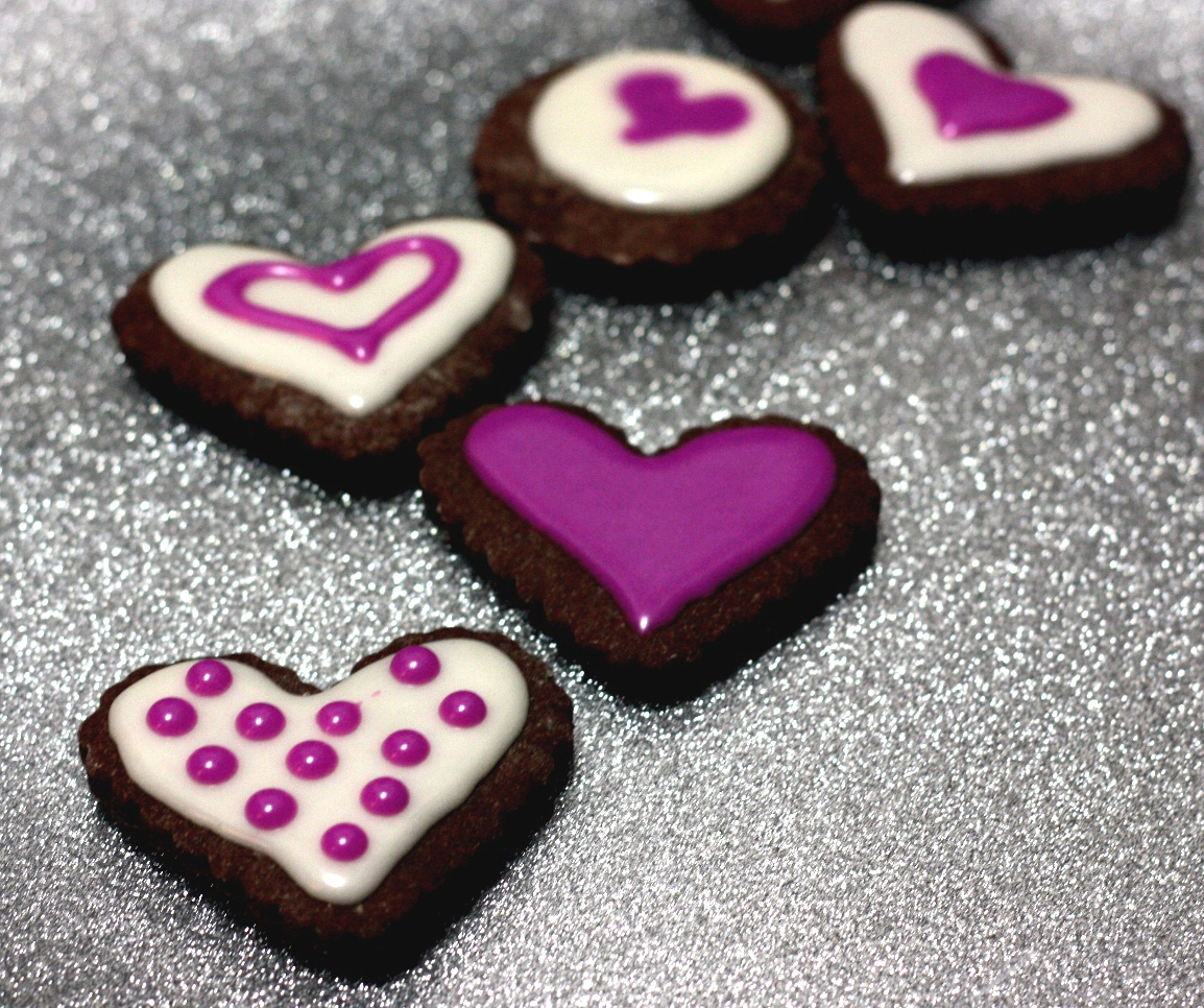 Cee in the Kitchen: chocolate cut out cookies for your valentine