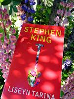 http://villasukkakirjahyllyssa.blogspot.fi/2014/07/stephen-king-liseyn-tarina.html