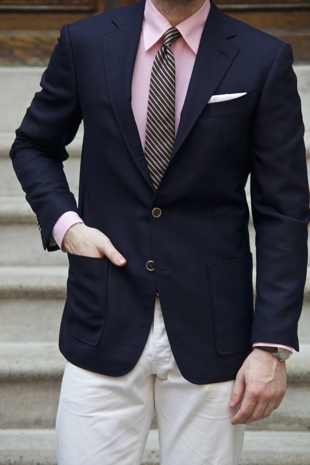 Denim Jacket, Shirt & Blazer. If the weather is a bit cooler, or the T-shirt and blazer are too much of a simple put-together for you, then spruce up your look by layering up with a denim jacket.