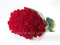 100 tangkai mawar, Hand bouquet , bunga tangan , hadiah ulang tahun, bunga graduation