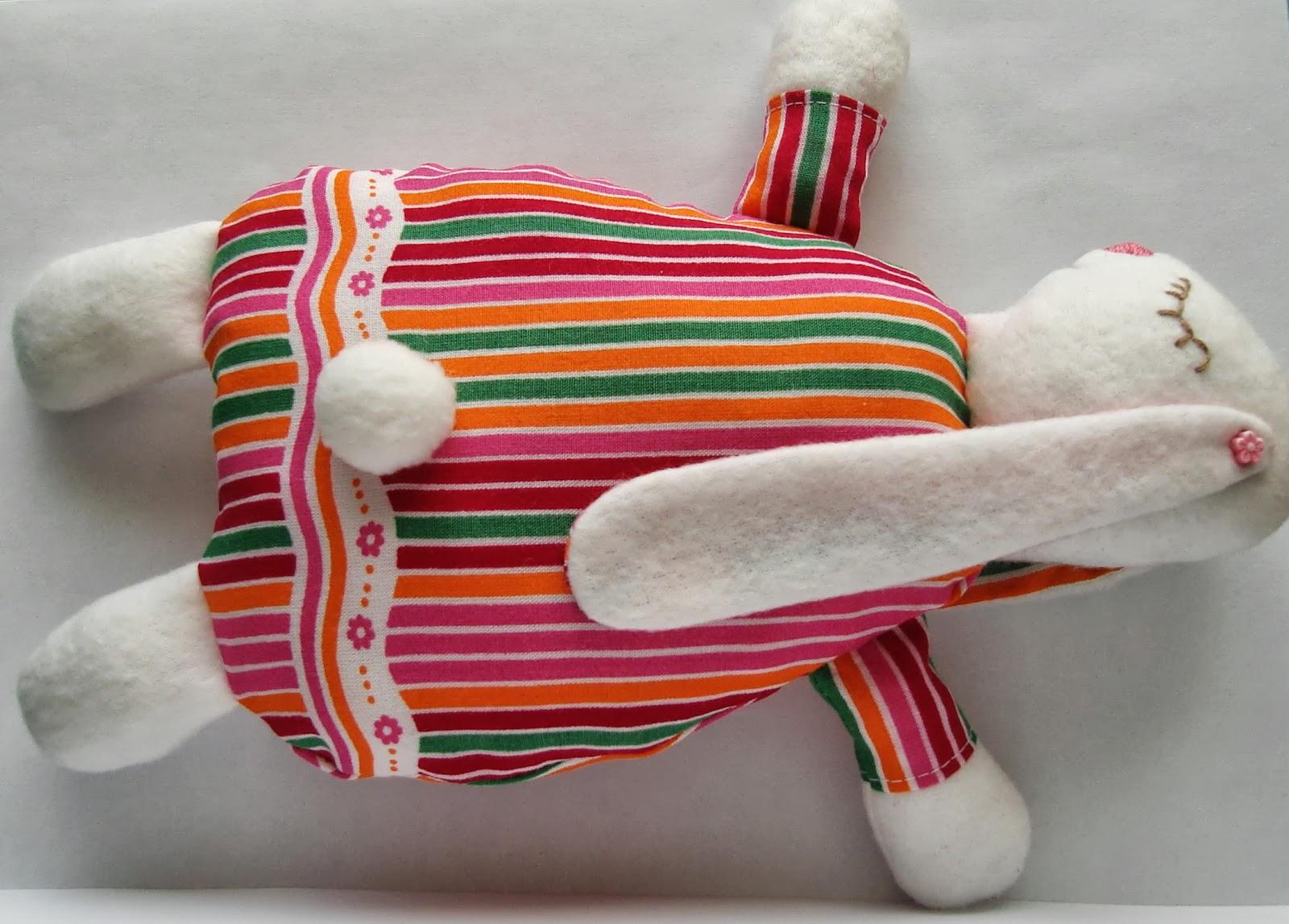 Зайка-сплюшка : выкройка для создания уникальной игрушки 48