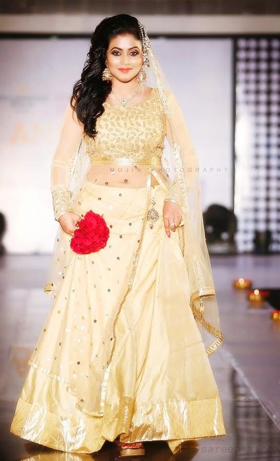 Poorna-bridal-lehenga-cochi-international-fashion-week-2014