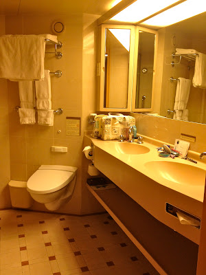 double sink and vanity in superior suite