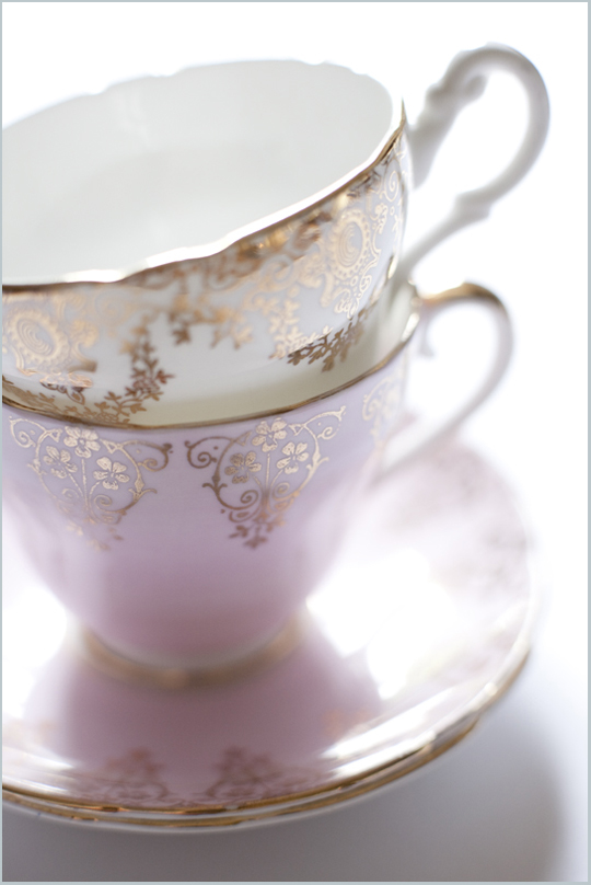 pink and gold teacups for hire
