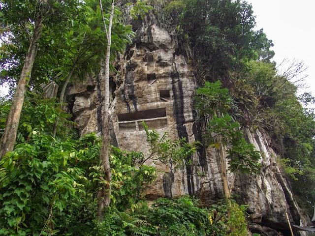 Suaya Makam Ningrat Sangalla' - Suaya King's Grave