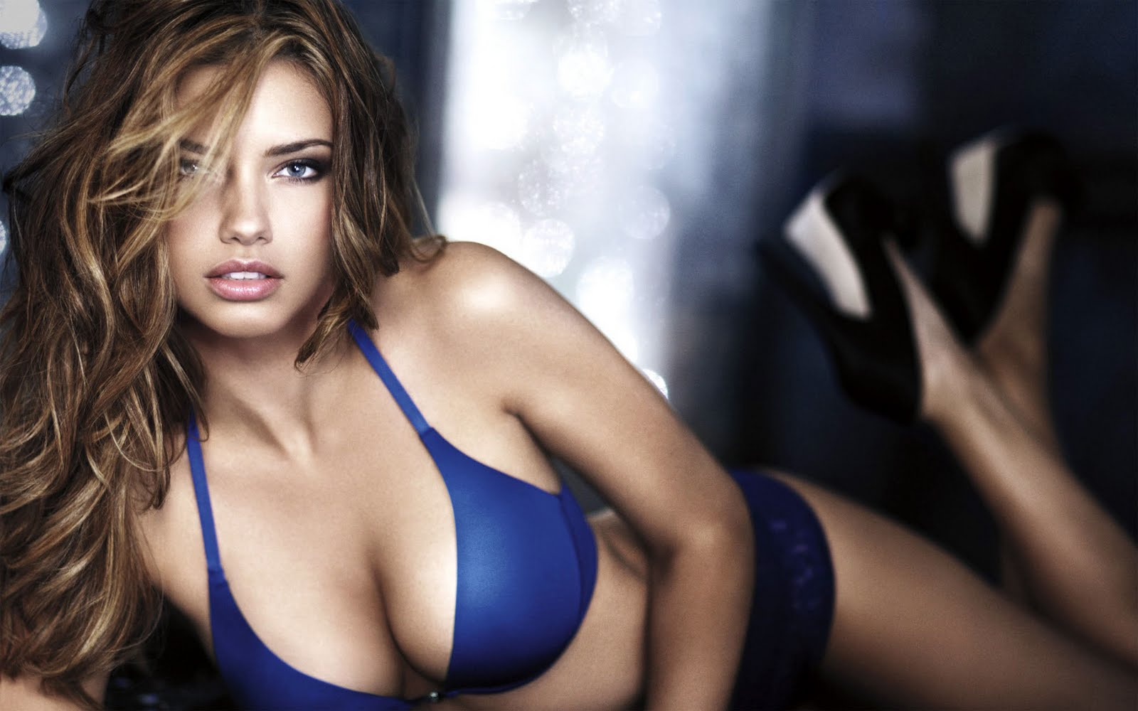 Hollywood Actresses Wallpapers Hot Wallpapers Hd Adriana Lima
