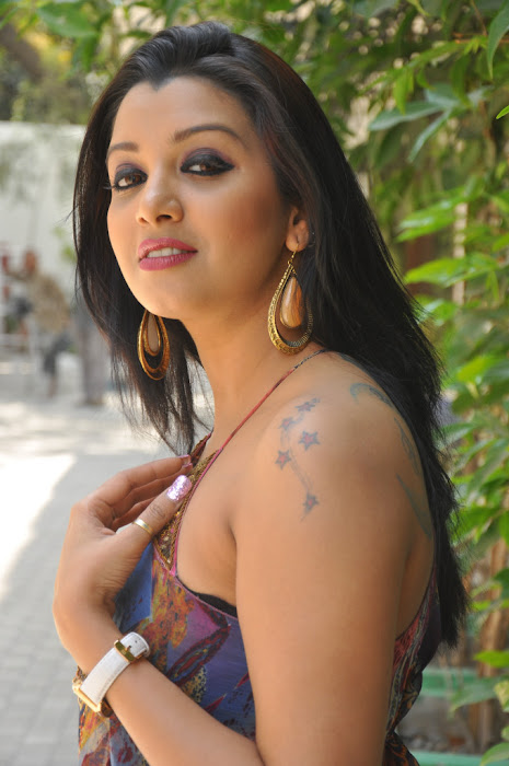 sidhie mamre hot photoshoot