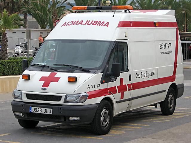 Gambar Mobil Ambulance 03
