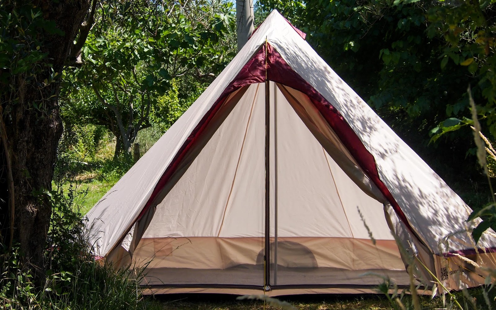 RENT-A-TENT FOR €1!