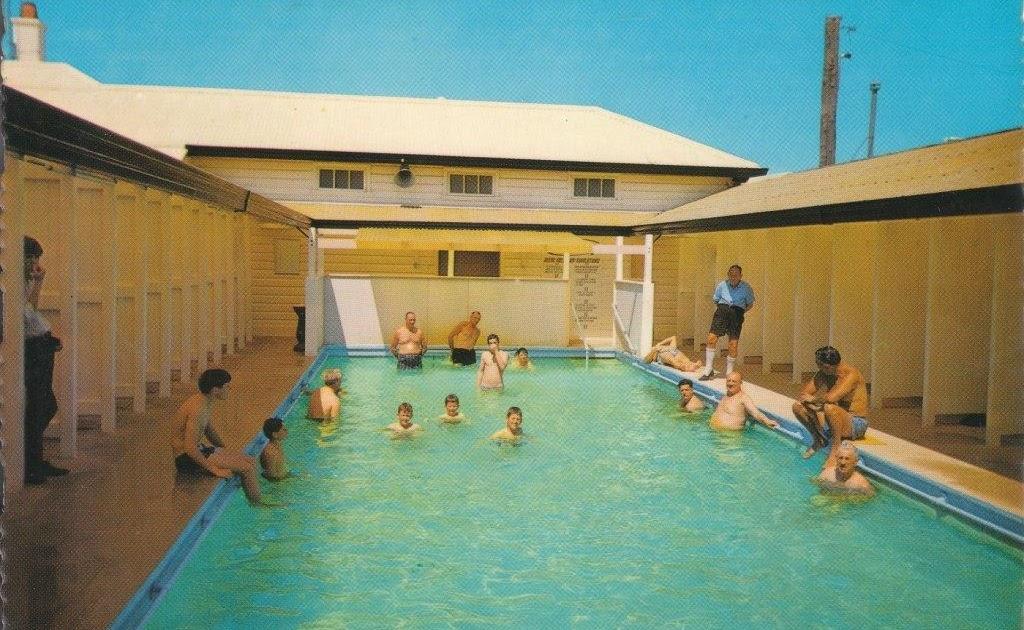 Swimming Pool Postcard Moree Spa Baths