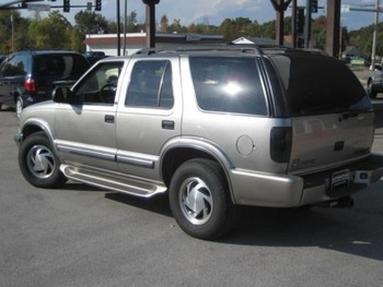 St Charles First Cars 2001 Chevy Blazer LT Premium Options